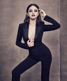 Selena Gomez in Billboard Magazine Photoshoot - December 2017 Selena Gomez Fashion, Selena Gomez Fotos, Selena Gomez Nails, Selena Gomez Pictures, Selena Gomez Style, Style Olivia Palermo, Women In Music, Marie Gomez, Foto Pose