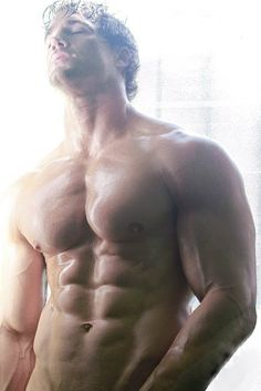 Arms, pecs, or abs? Which muscle is your favorite? ;) #hunk