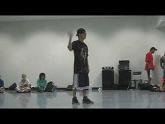 Nintendo Wii Tutting Routine. Choreography by Mike Song... love his work!
