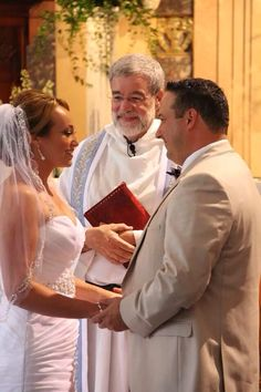 Personalizing your vows is a must! It comes from the heart ❤️
