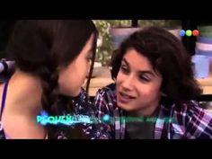 Pequeño amor cantada por Carolina Domenech (Devi) y Joaquin Ochoa (Valentin) en Aliados, serie de telefe producido por Cris Morena.