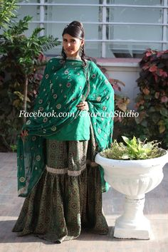 Green brocade Gharara with thread handwork on dupatta. Order online your own personalised Gharara.  #gharara #gharara4u #ghararadesign #GhararaStudio #partygharara #royal #beautiful #thread #embroidery #orderonline #lookgorgeous #beautiful #green #brocadegharara