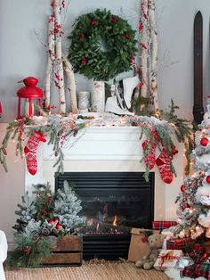 Make your home feel like a winter wonderland with these festive Christmas mantel decor ideas from @twotwentyone!