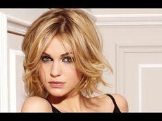 Красивая женская стрижка на короткие волосы Стрижка градуированный боб с косой челкой#3 - YouTube