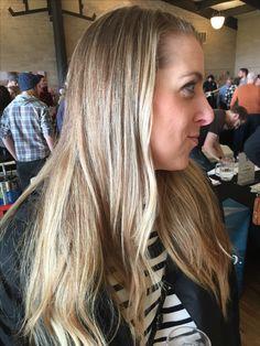 Dark Blonde Highlights, Long Hair Styles, Beauty, Long Hairstyle, Long Haircuts, Long Hair Cuts, Beauty Illustration, Long Hairstyles, Long Hair Dos