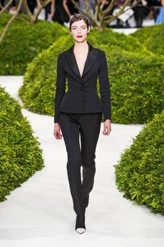 Christian Dior Spring 2013 Couture Runway - Christian Dior Haute Couture Collection - ELLE