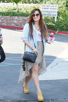 Demi Lovato Photo - Demi Lovato Grabs Lunch in LA