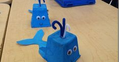 Adorable blue whale - idea of using egg carton + pipe cleaner Snail And The Whale, Jonah And The Whale, Under The Sea Crafts, Under The Sea Theme, Whale Crafts, Ocean Crafts, Crafts To Make, Crafts For Kids, Egg Carton Crafts