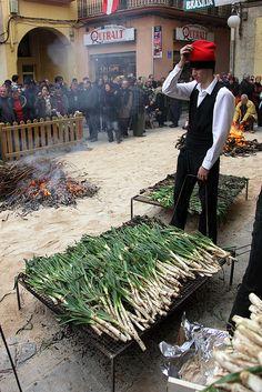 Gran Festa de la Calçotada de Valls / España.Uno de los mejores inventos culinarios de Cataluña.