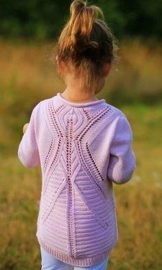 Розовый вязаный спицами пуловер. Симпатичный пуловер спицами