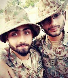 Pakistan Zindabad, Pakistan Fashion, Pak Army Soldiers, Love You Cute, Pakistan Armed Forces, Dps For Girls, Army Love, Handsome, Military