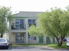 Apartments For Sale in Kenilworth (Cape Town). View our selection of apartments, flats, farms, luxury properties and houses for sale in Kenilworth (Cape Town) by our knowledgeable Estate Agents. 2 Bedroom Apartment, Apartments For Sale, Cape Town, Flats, Luxury, Outdoor Decor, House, Home Decor, Loafers & Slip Ons
