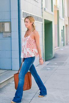 spring florals, flare jeans, flared denim, spring denim #streetstyle #springfashion #20somethingadvice