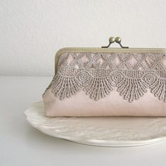 Rose Dust Lace Clutch by sewlola on Etsy on we heart it / visual bookmark Clutch Purse, Coin Purse, Pink Clutch, Frame Purse, Steampunk Wedding, Beaded Bags, Vintage Purses, Looks Vintage, Wedding Purse