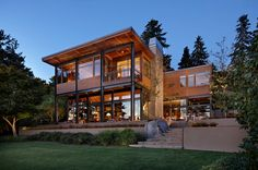 Modern Lake House in Seattle