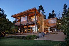 Modern Lake House in Seattle
