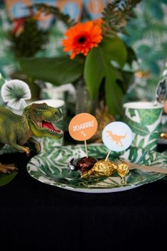 Dinosaur (+ printables) - In Good Company Dinosaur Printables, Dinosaur Party, Good Company, Christmas Ornaments, Holiday Decor, Projects, Log Projects, Blue Prints, Christmas Jewelry