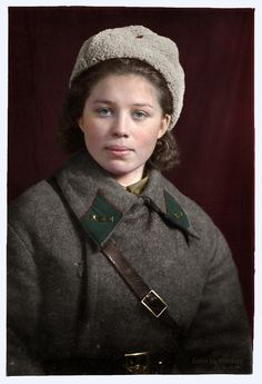 World War II Soviet soldier Ww2 Women, Military Women, Military History, Foto Portrait, Female Soldier, Red Army, World War Two, Historical Photos, Wwii