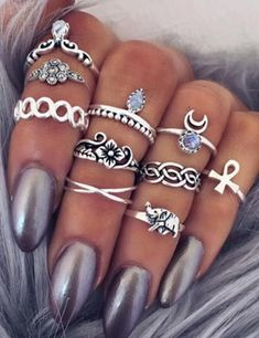 Stunning Boho Jewelry to perfect your easy bohemian look. | Our Top 10 Bohemian Chic Outfit Ideas to Copy