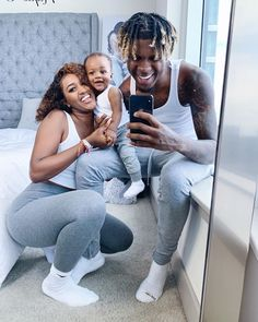 Cute Little Family 💙 Nique And King And Kaiser 💙 Family Guy Funny, Family Guy Quotes, Family Humor, Cute Family, Baby Family, Family Goals, Couple Goals, Family Matters, Beautiful Family
