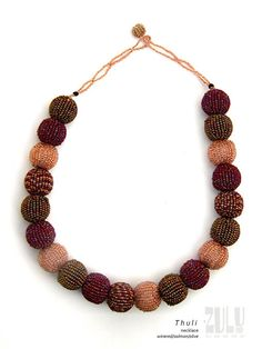 THULI  Zulu Beaded Necklace van ZuluBeadz op Etsy, €17.50