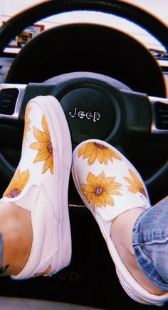 Slip on sneakers outfit – Lady Dress Designs Sock Shoes, Vans Shoes, Cute Shoes, Me Too Shoes, Shoe Boots, Adidas Shoes, Slip On Shoes, Dream Shoes, Crazy Shoes