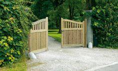 Houten poorten of omheining gezocht? Bij Beau'm vindt u een ruim assortiment aan kwalitatieve poorten in diverse houtsoorten.