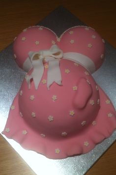 Pretty in pink Baby Bump cake