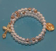 Católica de cristal de Swarovski y perlas por AnnSennottCreations