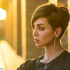 Very-Short-Hair-Style New Best Short Haircuts 2019 Cute Short Haircuts Girls Short Haircuts, Short Hairstyles For Thick Hair, Cool Haircuts, Pixie Hairstyles, Pixie Haircut, Short Hair Cuts, Curly Hair Styles, Latest Haircuts, Stylish Hairstyles