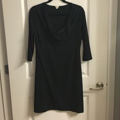 J.Crew Knit Dress J.Crew Knit Dress. Super comfortable and can be worn year round. For winter just pair with tights and boots/booties. 95% cotton, 5% spandex. Machine wash J. Crew Dresses