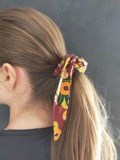 Comment créer un superbe foulchie ? L'accessoire tendance du printemps Back Neck Designs, Photoshoot, Allie, Diy, Collection, Dresses, Fashion, Create, Patterns