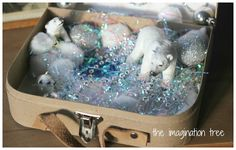 This is so beautiful and creative it almost makes me cry! Arctic Small World Play in a Suitcase - The Imagination Tree