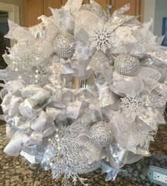 Christmas Mesh Wreaths, Christmas Mantels, Deco Mesh Wreaths, Christmas Tree Decorations, Winter Wreaths, Door Wreaths, Bling Wedding Decorations, Wedding Wreaths, White Wreath