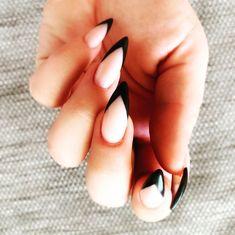 "Tsui auf Instagram: ""ℕ𝕖𝕨 ℕ𝕒𝕚𝕝𝕤 🖤 . #beautifulnails #newnails #stilettonails #byneos #neosnails #black #paintitblack #altnails #metal #altgirl #altmom…"" Stiletto Nails, Beautiful, Beauty, Instagram, Beauty Illustration, Edgy Nails"