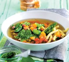 Minestrone s mladou zeleninou