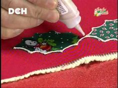 Carpeta navideña Christmas Runner, Christmas Past, Christmas Projects, Christmas Decorations, Xmas, Christmas Ornaments, Holiday Decor, Window Table, Bargello