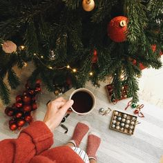 Trendy Holiday Decorations New Years Christmas Trees Christmas Style, Christmas Coffee, Christmas Mood, Merry Little Christmas, Noel Christmas, All Things Christmas, Christmas Flatlay, Christmas Wreaths, Christmas Background