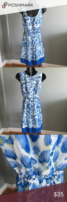 Elle Blue Floral Print Dress XS Gently worn condition. Missing belt. No known piling, tears or stains. 🐶 Comes from a smoke-free, but not pet-free home. ➡️ Offers welcomed. 🚫 No trades. No holds. 📦 Fast shipping! 👰🏻 Saving up for my wedding, so considering all reasonable offers! Elle Dresses Midi