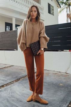 Learn Casual Outfit smart ideas (but stylish) fashion girls will surely be wear right now. casual outfits summer by kristine Fashion Casual, Fashion Mode, Women's Summer Fashion, Look Fashion, Winter Fashion, Fashion Outfits, Womens Fashion, Fashion Design, Fashion Trends