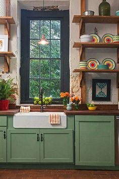 Farm sink with the green, awesome!