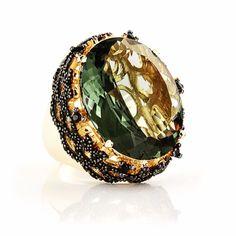 Desejo Divory: maravilhoso Cocktail Ring com cristal praziolita e acabamento em ródio negro. Joia diva para aumentar sua coleção e a auto-estima! #cocktailring #semijoias #fashion #glam #jewelry #joias #lovedivory #atacado #lookdodia #divacomdivory