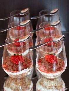 I am in love... Strawberry Tiramisu Cheesecake Cups | #SundaySupper @cupcakekalechips