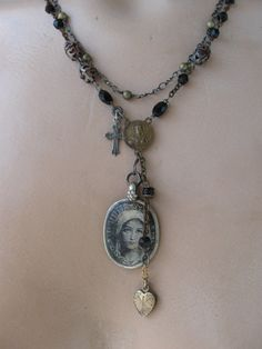 I LOVE this necklace...hmmmm...I suspect I'll be shopping this Etsy seller shortly!