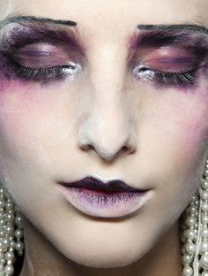 lamorbidezza: Make-up at John Galliano Spring 2010