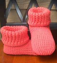 Knitting Patterns Slippers Knit Look Slipper Boots Crochet Adult- 30 Easy Fast Crochet Slippers Pattern Fast Crochet, Knit Or Crochet, Crochet Baby, Baby Knitting, Free Knitting, Ravelry Crochet, Knitting Sweaters, Kids Crochet, Crochet Summer