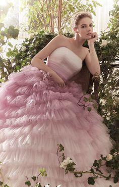 9946838ec5a3 Abiti da sposa 2019  le tendenze moda dalle bridal week