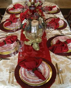 Charming Christmas Party Table Decorations