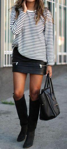 Jolie avec la jupe simili cuir Plus