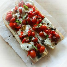 -meatless-monday-kate-from-scratch-french-bread-pizza-roasted-caprese